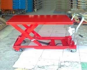 Xe nâng mặt bàn 1 tấn cao 1m