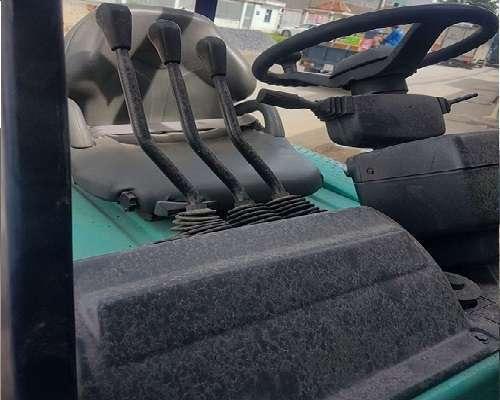 xe nâng điện 1.5 tấn hiệu Komatsu loại ngồi lái
