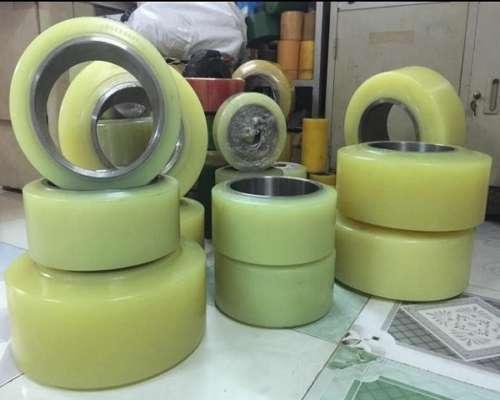 Bánh xe nâng điện chất liệu PU