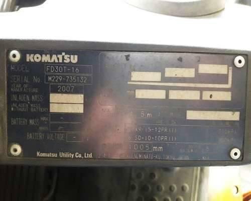 Xe-nang-dau-komatsu-3-tan