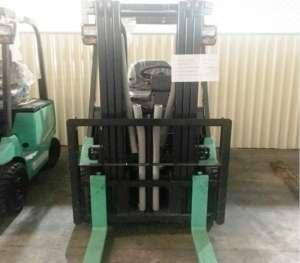 xe-nang-dien-ngoi-lai-1500kg-cao-4m-mitsubishi
