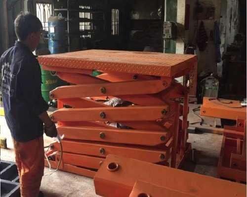 Bàn nâng hàng thủy lực 1 tấn