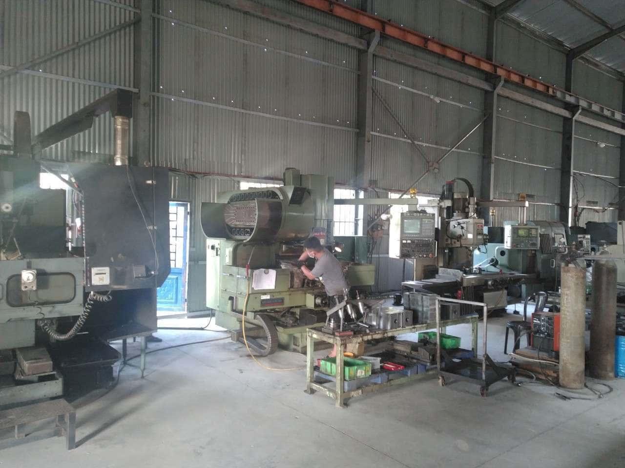 Xưởng cơ khí Hưng Việt