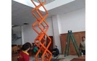 Lắp đặt bàn nâng điện thủy lực