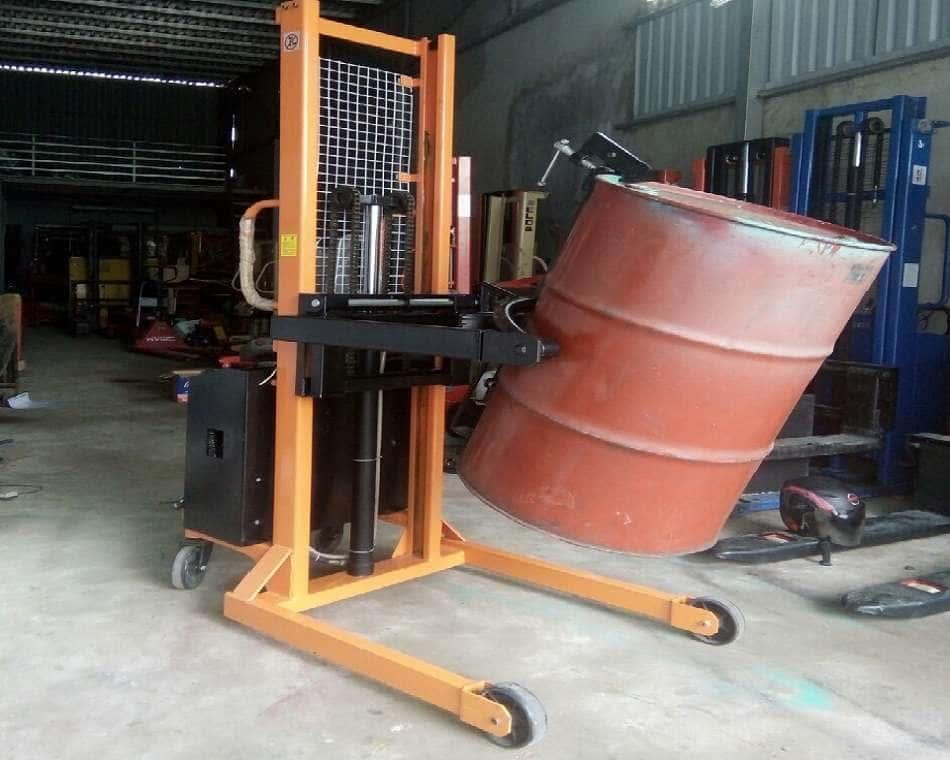 Xe nâng thùng phi điện bán tự động quay đổ