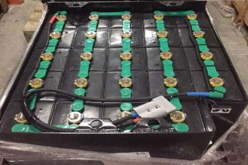 Ắc quy xe nâng điện 48V/320Ah dùng cho xe đứng lái