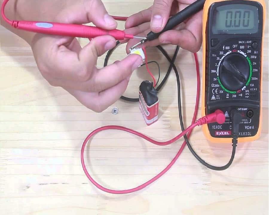 Đồng hồ kiểm tra dòng điện