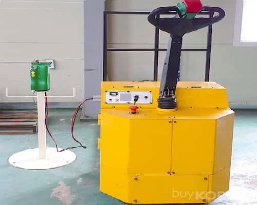 Cách sạc xe nâng điện stacker an toàn