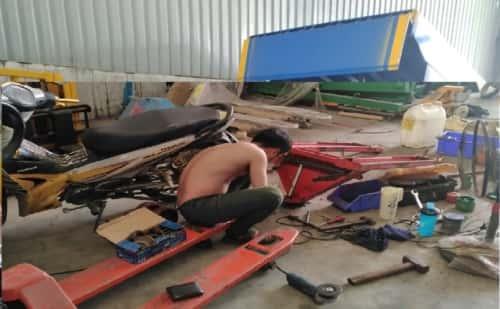 Bảo trì báo dưỡng xe nâng tay, xe bán tự động, thang nâng