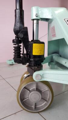 Bơm xe nâng tay OPK Nhật 2.5 -3 tấn