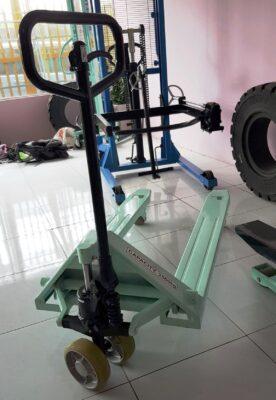 Xe nâng tay hiệu opk nhật 2.5-3 tấn