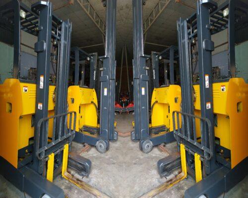 Xe nâng điện 3m đứng hiệu Komatsu