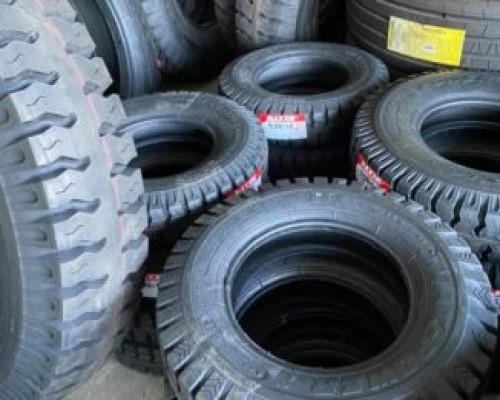 Vỏ xe nâng 750-15 chất liệu cao su đặc