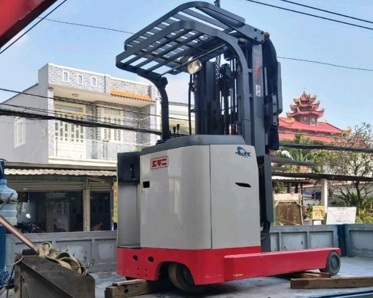 Xe nâng điện 5m5 tải 1.8 tấn hiệu Nichiyu [Nhật bãi]