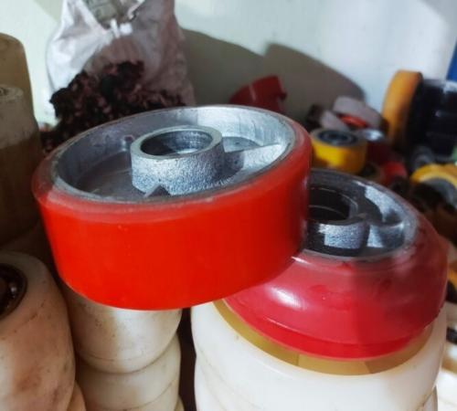 Bánh Xe Nâng Mặt Bàn Phi 150mm